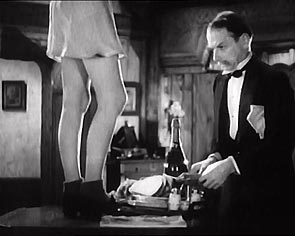 Hitchcock - The Lady Vanishes: Voyeurism as repressed sexuality